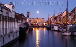 Super Moon and sunrise in Nyhavn